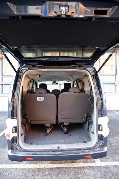 Trots sju sittplatser och kompakt format går det ändå in en del bagage.