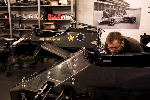 I Teknikens Värld nummer 3/2016 besökte vi Classic Team Lotus. Linus mumlar om det än.