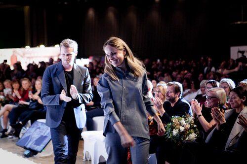 Förra årets vinnare av Guldknappen – Elin Kling och Totême