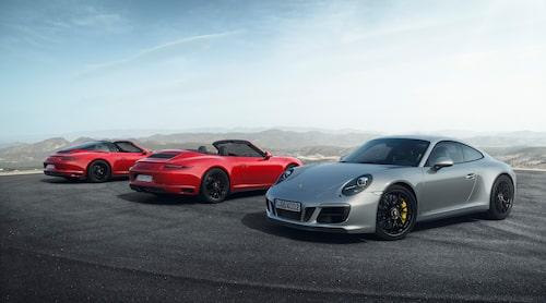 Samtliga GTS-karossvarianter, här gestaltade av, från vänster till höger, Porsche 911 Targa 4 GTS, 911 Carrera 4 GTS Cabriolet och 911 Carrera 4 GTS.