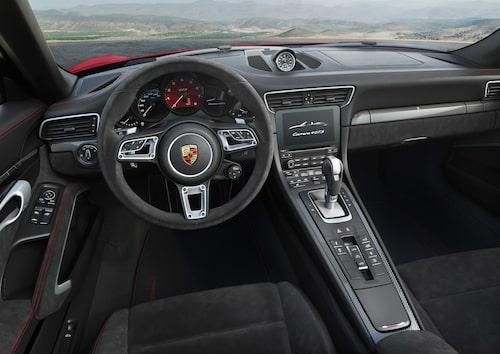 Porsche 911 Carrera 4 GTS Cabriolet 2017