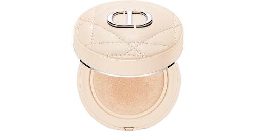 Recension på Forever cushion powder från Dior.