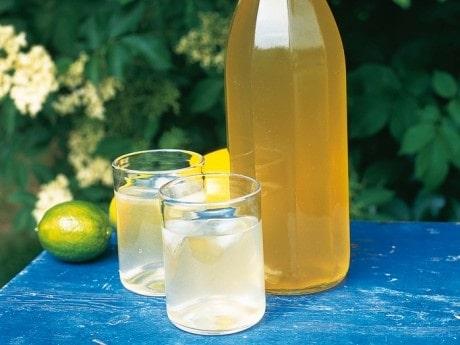 Fläderblomssaft med lime
