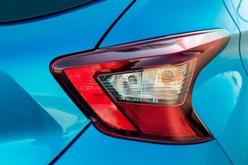 Utsmetade bakljus är också en modegrej och frågan är om inte Ford Focus var först. Snyggt hur som helst.
