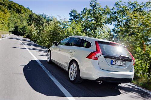 Så här slank har vi aldrig sett familjeikonen Volvo tidigare. Tiden får utvisa om det här blir framtidens formspråk.