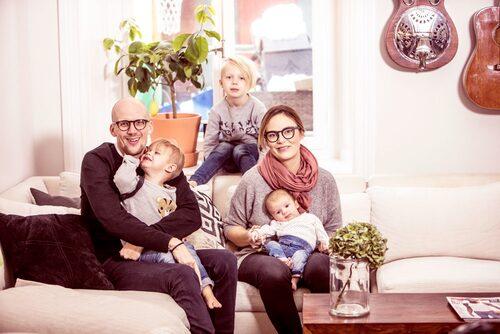 Samuel, Herbert, Albert och Åsa välkomnade för fyra månader sedan lillebror Fred.