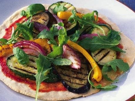 Pizza med grillade grönsaker