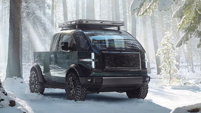 När pickupen kommer krypande fram i snön ser det ut som något ur en George Lucas-film.