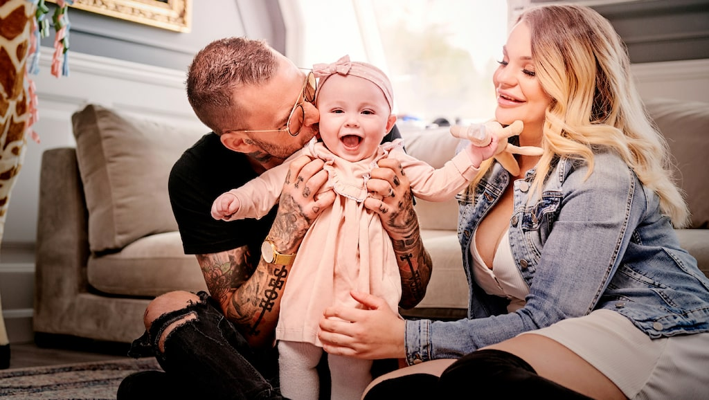 Jocke och Jonna Lundell med dottern Lunabelle.