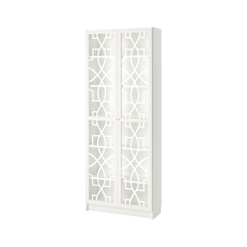 Möbeldekor Annica till Ikeas vitrindörrar Olsbo, att fästa med tejp på baksidan, och kan målas i valfri färg. Fler dekorer finns hos frontcover.se.