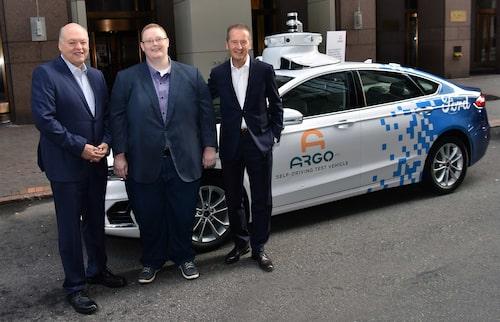 Jim Hackett, Fords vd, Bryan Salesky, Argo AI:s vd, och Herbert Diess, Volkswagens vd.