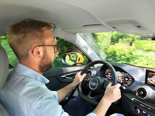 Progressiv styrväxel kräver mindre rattrörelser i låg fart.