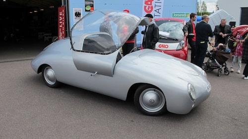 Vår egen projektbil Svwenningmobil är på plats. Läs mer om den via länk nedan.