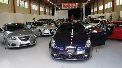 Och en hel drös nya bilar, allt från nya Saab 9-5 till Audi R8.