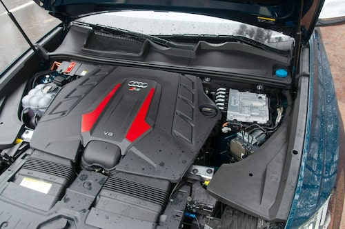 600 hästar blankt ur V8-motorn gör RS Q8 till den starkaste suven Audi tillverkat.