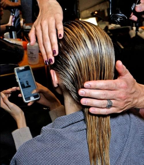 """Det kan ta några tvättar för håret att """"vänja sig"""" vid sulfatfria produkter, så ha lite tålamod."""