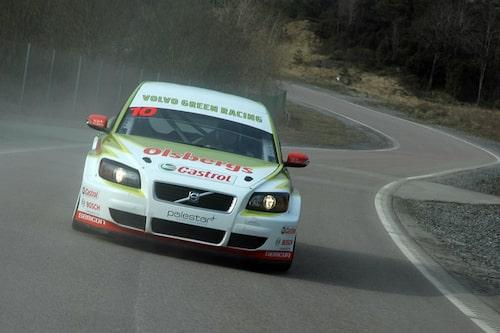 PeO rattar STCC-Volvon som ett proffs.