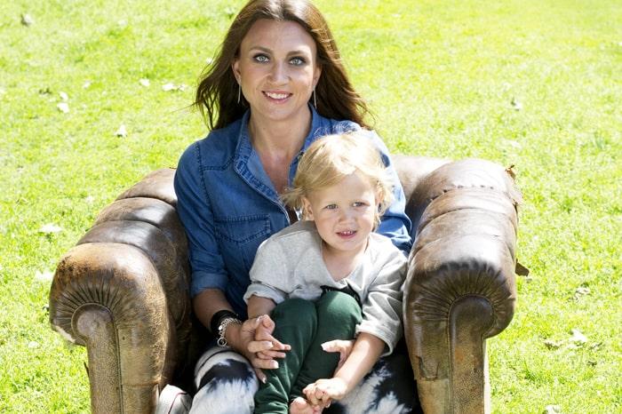 Camilla Läckberg och sonen Charlie, 3.