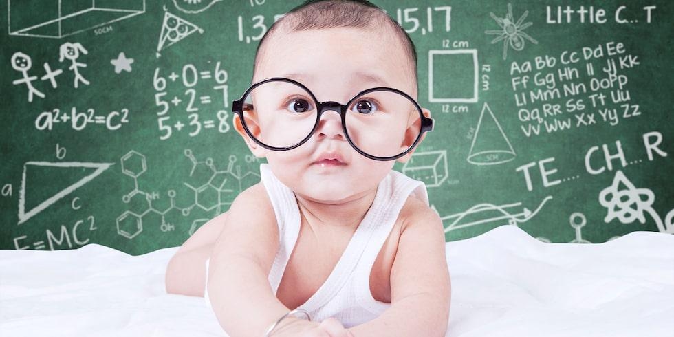 Blir barn smartare av amning? Vi har frågat flera forskare.