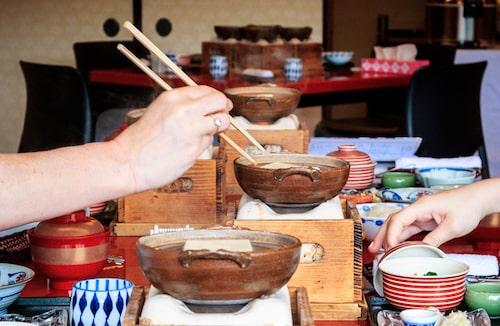Frukost på ryokan Tazuru