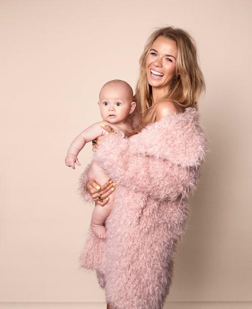 Margaux Dietz gick från medelstor till mega när hon lade ut sin förlossning med Arnold på Youtube.
