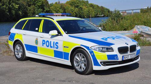En målad polisbil känner alla igen, svårare är det med de civila polisbilarna. Nedan listar vi detaljer du ska hålla utkik efter om du vill spana efter dessa.