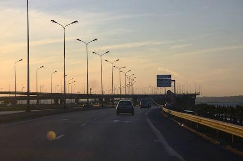 De första kilometerna på tunisisk asfalt.
