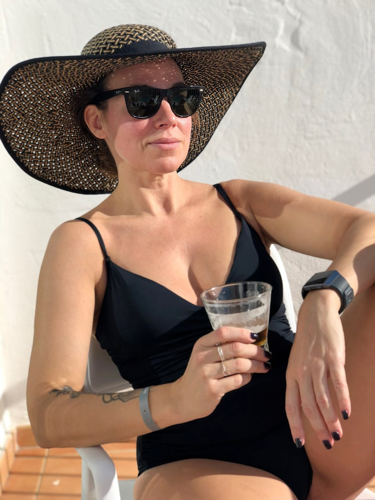 Annika Leone njuter av mammasaft på barnfritt hotell.