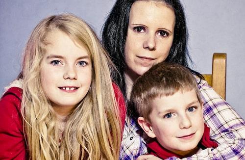 Sofia Möller med barnen Maja, 8, och Leo, 6.