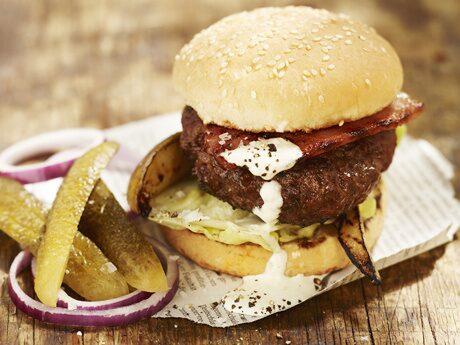 Nu vill vi ha det som amerikanerna, riktigt saftiga hamburgare.