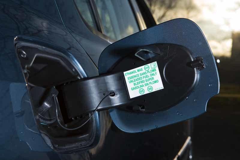 Renaults minsta miljöbil har sprit i tanken. I nuläget blir den dyr i drift, men när bensinpriset stiger kan den bli en god affär.