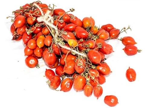 Det finns tomatsorter som kan lagras hängande i flera månader t ex 'Piennolo'.