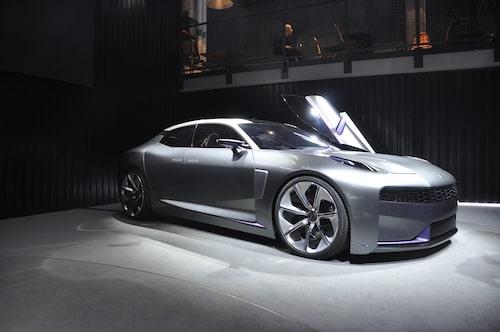 En läcker konceptbil vid namn Lynk Concept (alltså utan & Co) passade Lynk & Co på att visa upp. Kanske är det modell 02 eller 03... eller 04?