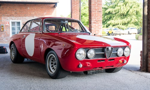 Alfa Romeo Giulia GTA när det begav sig 1965.