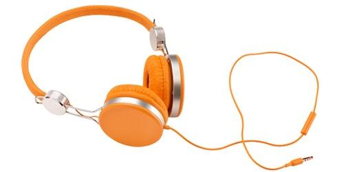 Lyssna på musik som får dig på bra humör och glöm bort vardagen för en stund.