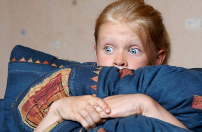 När är barnen stora nog att se barnförbjuden film och tv?