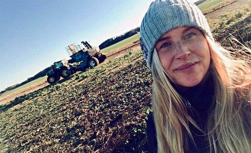 Snart tar Carolines bebis plats på gården!