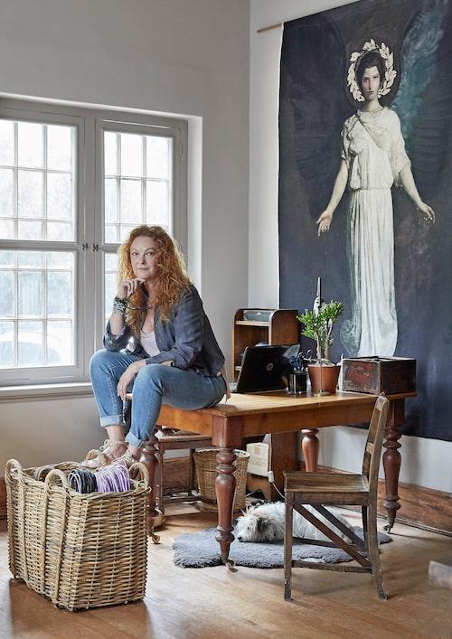 I ett par av salongerna på Stonecrest driver Annabelle Desfontaines sin exklusiva vintagemodebutik, Wizards vintage.