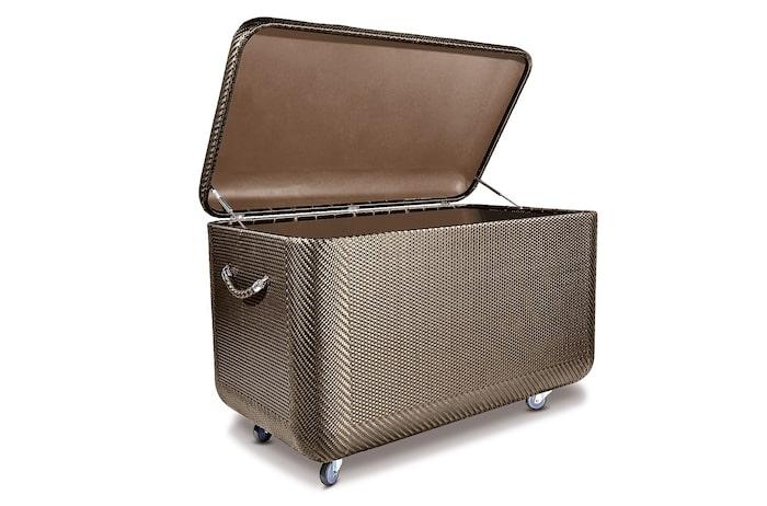 Yppersta lyx och kvalitet, handvävd kuddförvaring La malle, 160 cm bred, 71 800 kr, Dedon/Ekerö möbler.