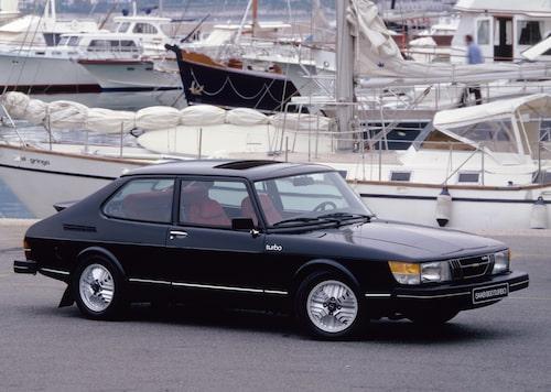 Plats 2: Saab 900, 810 filmer.