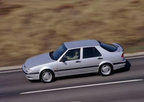 Plats 10: Saab 9000, 242 filmer.