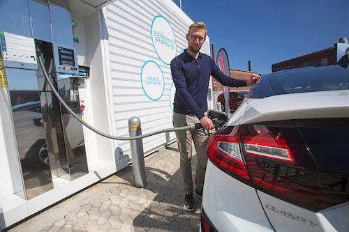 Bränslecellsbilens stora fördel mot batteribilen är att det går snabbt att tanka.