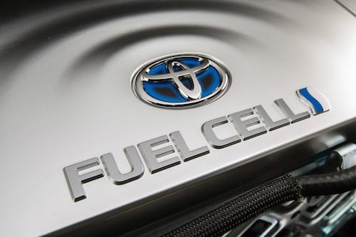 Toyota tror fortfarande på en framtid för den vätgasdrivna bränslecellen.