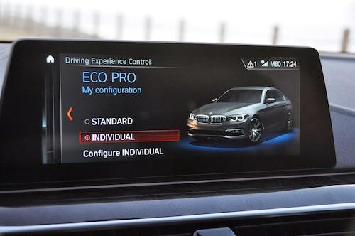 Körprogrammen är intuitiva, precis som hos 7-serie och Rolls-Royce tar den stöd av GPS-information.
