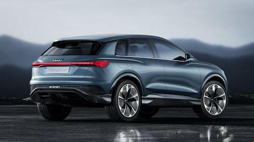 Solar Sky kallar Audi den blå lacken för. De kallar den även för dubbelt miljösmart eftersom den sägs vara skonsam mot miljön vid tillverkningsprocessen samt att den reflekterar kortvågigt solljus nära det infraröda spektret. Värmeutvecklingen blir därför mindre på karossytan och det interiöra klimatet blir bättre och behöver inte kylas ned lika kraftfullt som normalt vilket ger en lägre energiåtgång.
