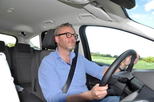 Hans Hedberg uppskattar körglädjen hos nya C-Max.