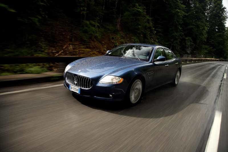 Provkörning av Maserati Quattroporte S