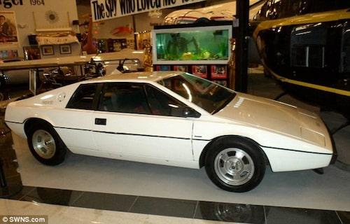 Lotus Esprit S1 från The Spy Who Loved Me.