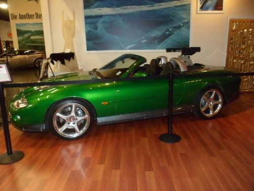 Jaguar XKR från Die Another Day.