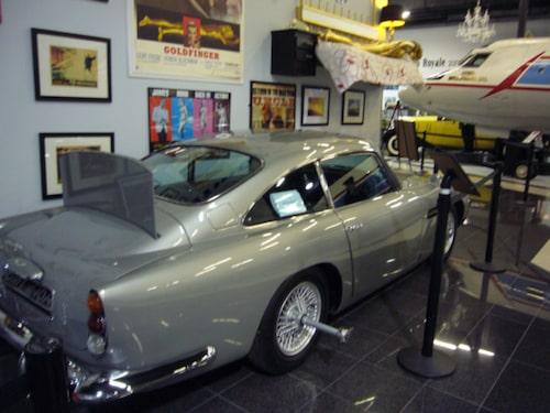 Aston Martin DB5 från On Her Majesty's Secret Service.